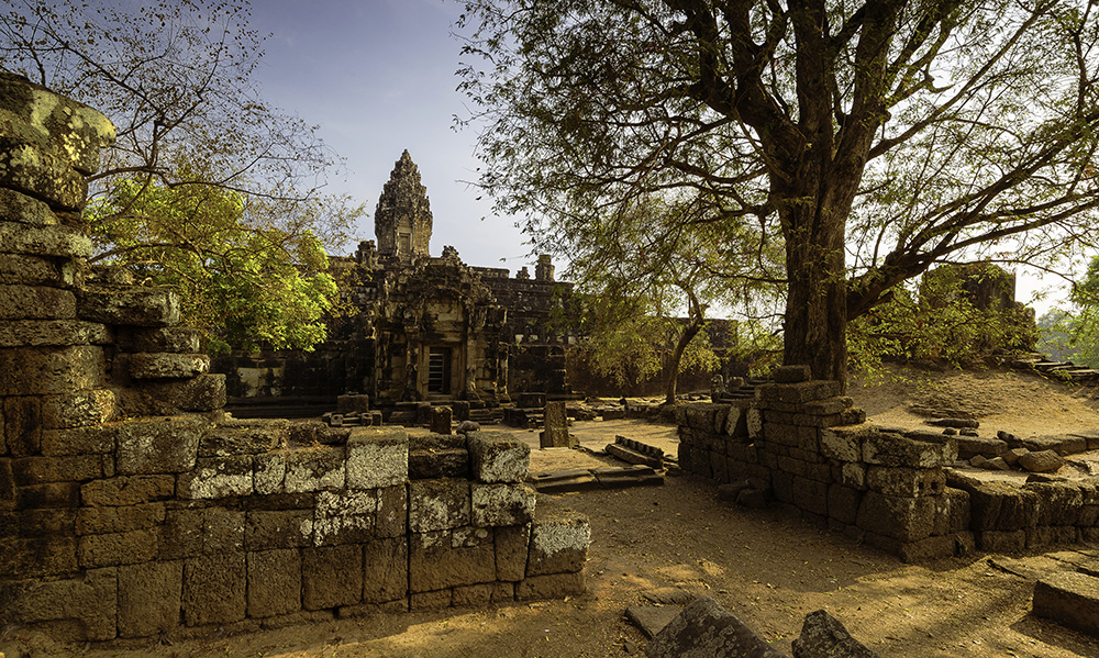 Ta Bakong temple at sunrise